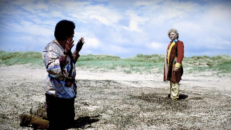 Die letzte Staffel des sechsten Doktors macht den Handlungsbogen salonfähig. (Foto)