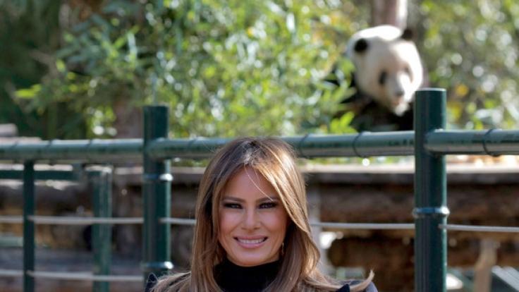 Melania Trump posiert für die Fotografen.
