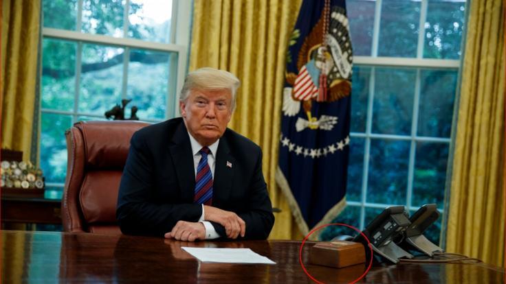 Donald Trump hatte einen Cola-Knopf auf dem Präsidenten-Schreibtisch installieren lassen. (Foto)