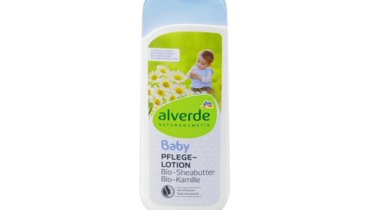 """Die Drogeriekette dm ruft die """"alverde Baby Pflegelotion Bio-Sheabutter Bio-Kamille"""" zurück. (Foto)"""