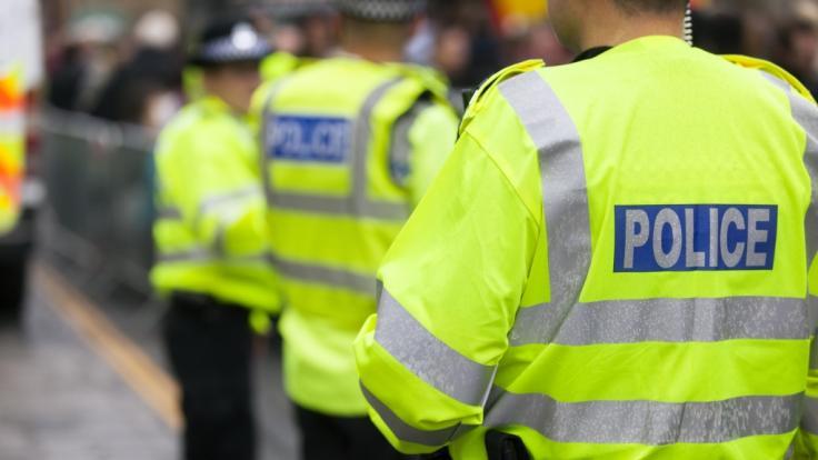 In London wurde ein Mann mit einer Axt vor dem Buckingham Palast festgenommen. (Foto)