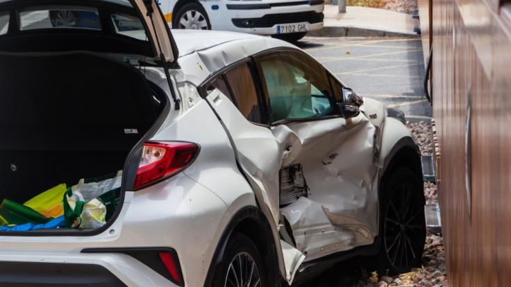 Ballermann-Star Isi Glück wurde auf Mallorca in einen Auto-Unfall verwickelt (Symbolbild).