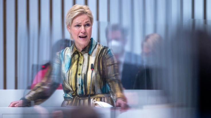Manuela Schwesig (SPD), die Ministerpräsidentin von Mecklenburg-Vorpommern, blickt Merkels Mega-Lockdown-Plänen kritisch entgegen. (Foto)