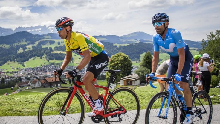 Richie Porte (l) aus Australien und Jose Rojas aus Spanien bei der Tour de Suisse 2018.