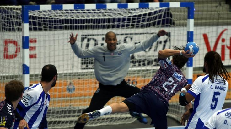 Portugals Handball-Nationaltorwart Alfredo Quintana ist an den Folgen seines Herzinfarkts im Alter von 32 Jahren gestorben. (Foto)