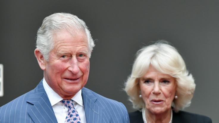 Haben Prinz Charles und Herzogin Camilla einen heimlichen Sohn? (Foto)