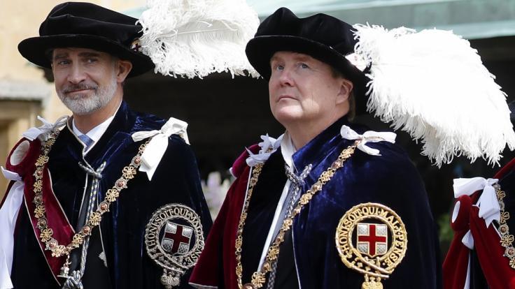 König Felipe VI. von Spanien und König Willem-Alexander der Niederlande wurden von Queen Elizabeth II. in den Hosenbandorden aufgenommen.