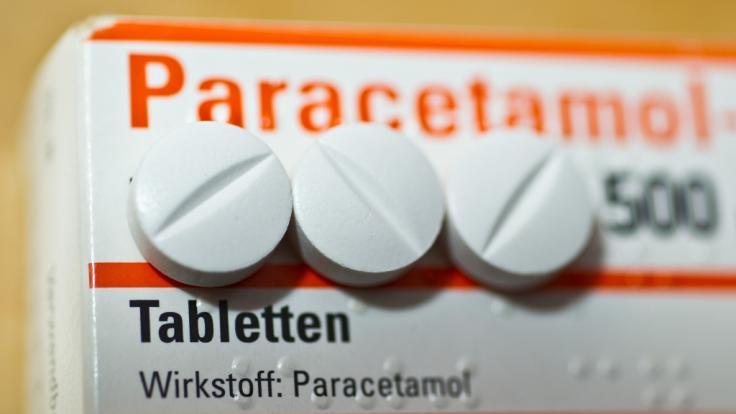 Sollten Menschen Paracetamol vor oder nach der Corona-Impfung nehmen? (Foto)