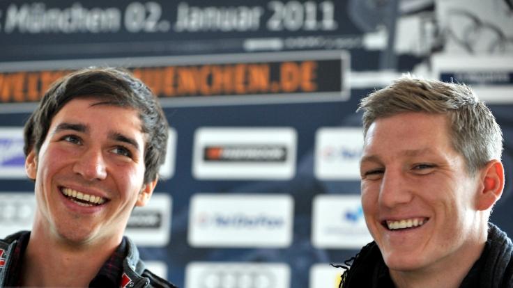 Felix Neureuther und Kumpel Bastian Schweinsteiger haben sichtlich Spaß.
