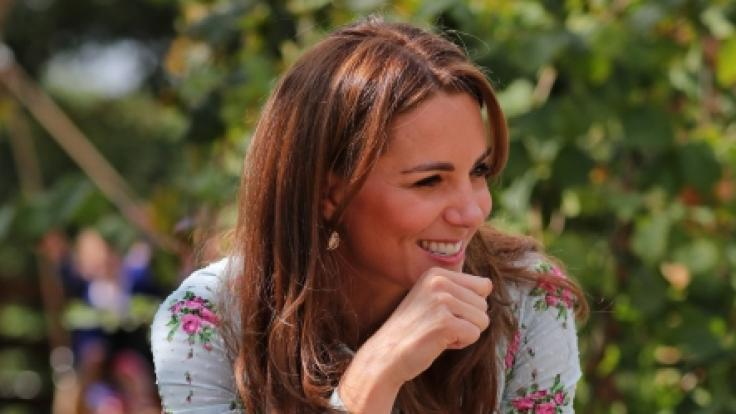Herzogin Kate amüsiert sich während ihres Besuchs des