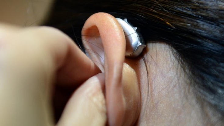 Ein Hörgerät kann helfen. Aber vorbeugen können Sie auch.