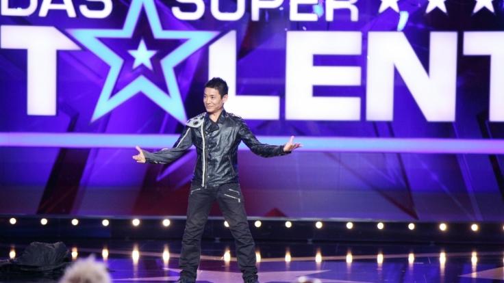 """Kandidat Kenichi Ebina behauptet für seinen Auftritt beim """"Supertalent"""" engagiert und bezahlt worden zu sein. (Foto)"""