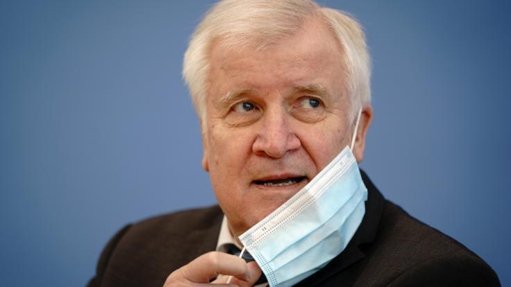 Bundesinnenminister Horst Seehofer (CSU) ist trotz erster Impfung positiv auf das Coronavirus getestet worden. (Foto)