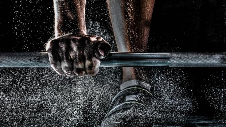 Sport und Fitness möchte jeder betreiben, doch oft fehlt die Zeit. Wir stellen drei Bücher vor, die eine andere Herangehensweise schaffen. (Foto)