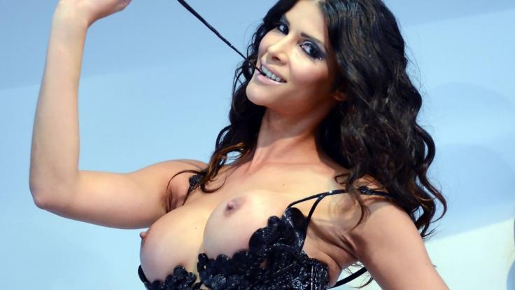 """Micaela Schäfer präsentiert """"Mica's Sommerhaus der Pornostars"""". (Foto)"""