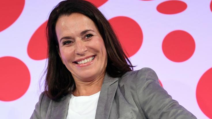 Auf Anne Will muss das TV-Publikum im Sommer 2019 verzichten - die Polit-Talkerin gönnt sich eine Sommerpause.