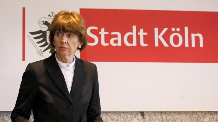 Kölns Oberbürgermeisterin Henriette Reker zeigte sich schockiert über die Straftaten.