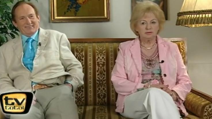 Sieht so eine langjährige typisch deutsche Ehe aus? Klaus und Ingrid bei