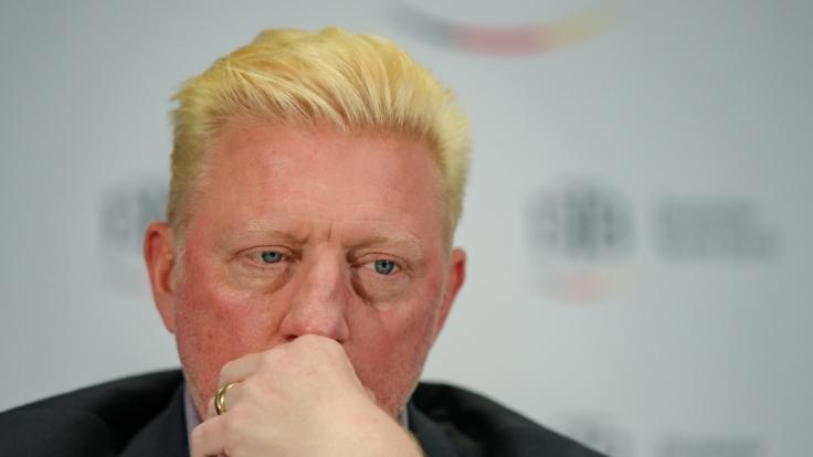 Im TV schockte Boris Becker mit dramatisch geschwollenen Ellenbogen. (Foto)