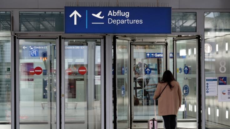 In Düsseldorf wurde eine Person bei einem Messerangriff auf dem Flughafen verletzt. (Foto)