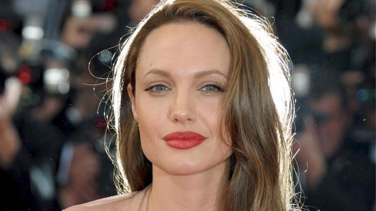 Kein anderer Hollywood-Star gibt so viele Rätsel auf wie Angelina Jolie. (Foto)