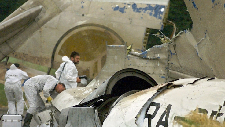 Die zerstörte Maschine der Flugzeugkollision bei Überlingen. (Foto)