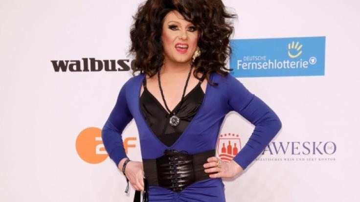 """Drag-Queen Nina Queer wurde von RTL kurzerhand vor die Tür gesetzt und wird nicht in """"Die große Dschungelshow"""" zu sehen sein. (Foto)"""