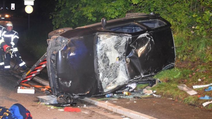 Bei einem Autounfall in Reichartshausen (Rhein-Neckar-Kreis) sind vier junge Menschen schwer verletzt worden, zwei von ihnen lebensgefährlich. (Foto)