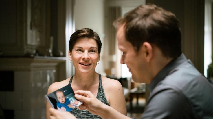 """Im Drama """"Wunschkinder"""" spielt Victoria Mayer Marie, die zusammen mit ihrem Mann Peter ein Kind adoptieren will. (Foto)"""