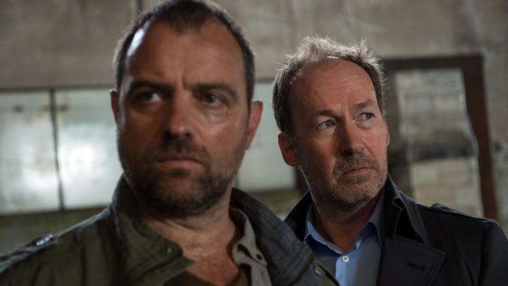 Der Psychologe Joe Jessen (Ulrich Noethen) versucht Kommissar Vincent Ruiz (Jürgen Maurer) zu helfen. (Foto)