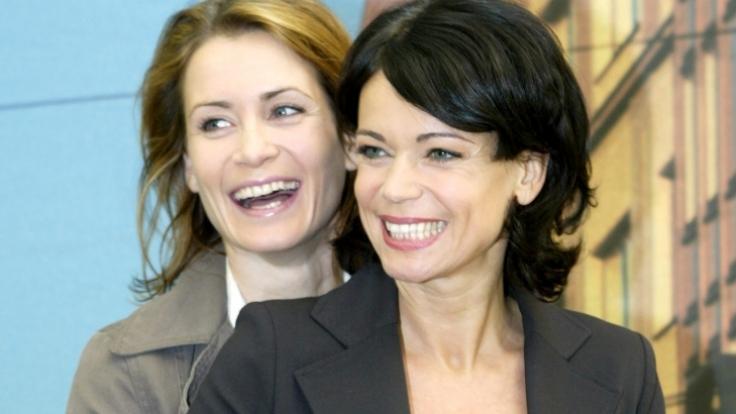 Wie kann man sich nur so gut verstehen? Doch die Schwestern Anja (links) und Gerit Kling kommen offensichtlich prächtig miteinander aus - und das ist nicht geschauspielert. (Foto)