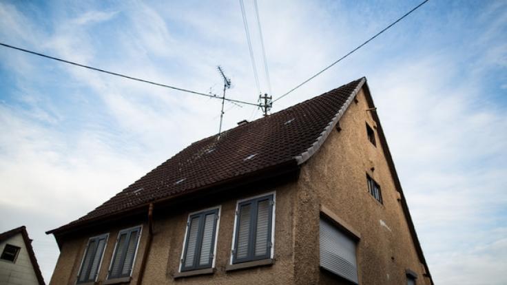 In diesem Haus in Baden-Württemberg soll ein Mann seine beiden Kinder ermordet haben.