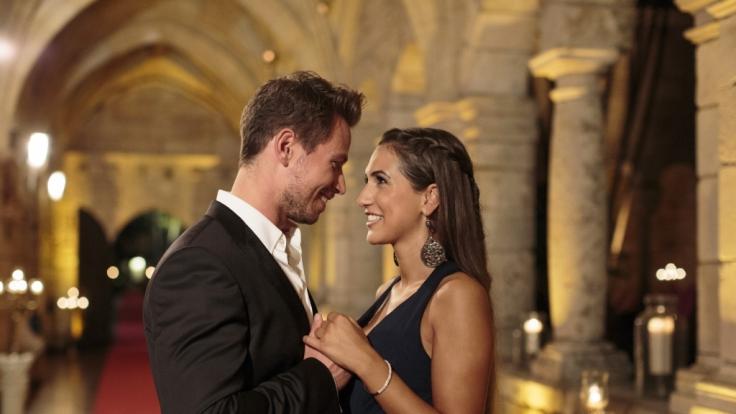 """Der Bachelor"" Sebastian Pannek und Clea-Lacy Juhn sind schwer verknallt - krönt nun bald ein Baby das Liebesglück? (Foto)"