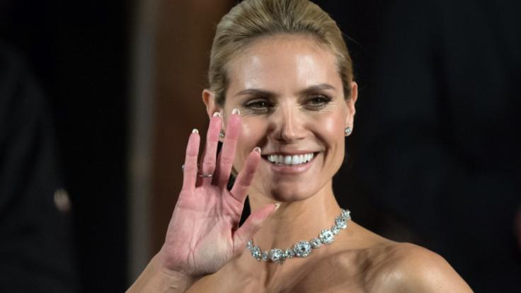 Nanu, hat sich Heidi Klum einen neuen Bettgenossen angelacht? (Foto)