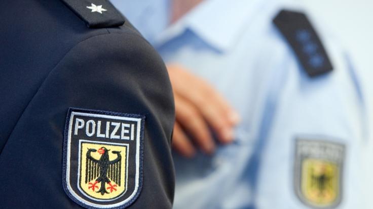 Ermittlungen wurden eingeleitet. Nachrichten mit Juden-Hass bei der Polizei in Köln aufgetaucht. (Symbolbild)