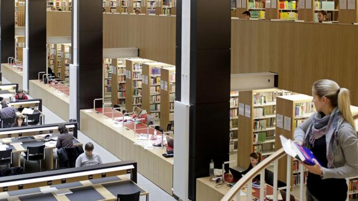 Die Bibliothek ist einer der beliebtesten Lernorte überhaupt.