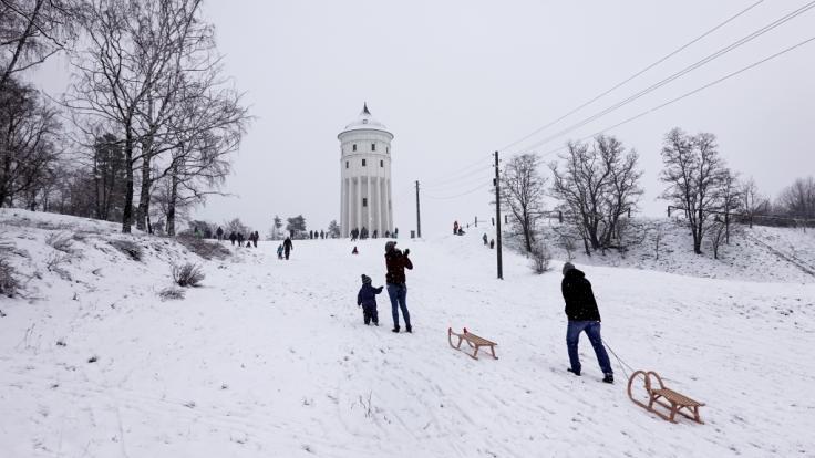 Schneegestöber ohne Ende: Die letzte Januarwoche startet in weiten Teilen Deutschlands mit Frost, Schnee und Regen. (Foto)