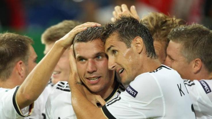 So jubelten Lukas Podolski und Miroslav Klose noch gemeinsam gegen Österreich. (Foto)