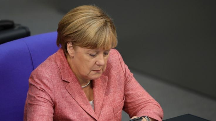 Sollte Angela Merkel einen eigenen Twitter-Account haben? (Foto)