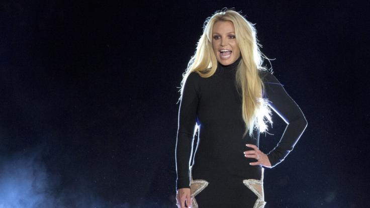 """>            Britney Spears: Oben-ohne-Kracher! Popstar befreit ihre """"Britties""""und zerstört das Netz"""