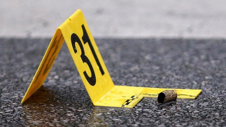 Ein sieben Jahre altes Mädchen ist bei einer Schießerei an einem Fast-Food-Restaurant in Chicago getötet worden (Symbolbild). (Foto)