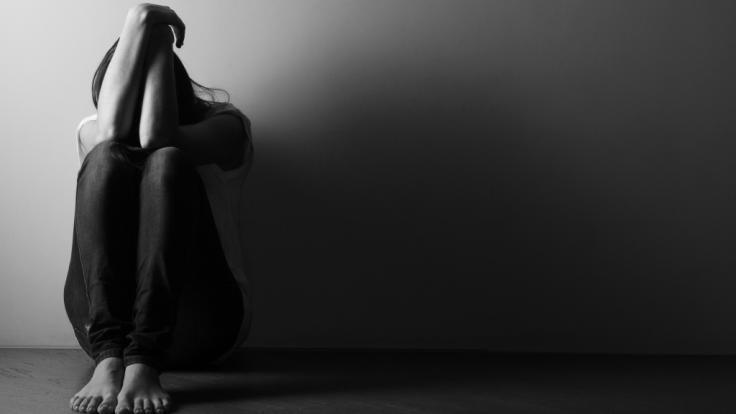 Eine 15-Jährige wurde von ihrer Mutter regelrecht verschachert. (Foto)