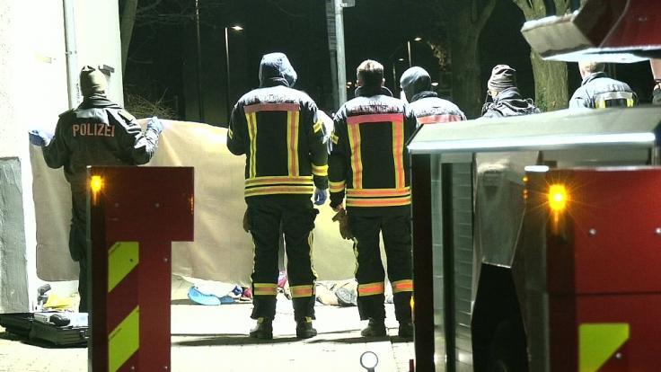 Nach einer Auseinandersetzung auf einem Parkplatz in Gelsenkirchen ist ein 19 Jahre alter Mann seinen schweren Verletzungen erlegen.