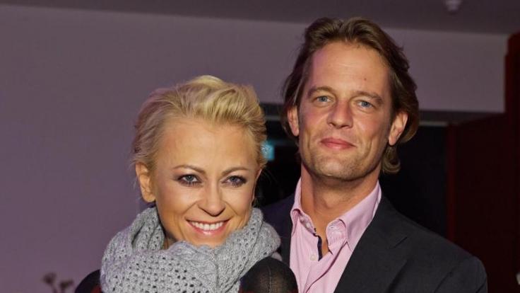 Ein Bild aus glücklicheren Tagen: Jenny Elvers mit ihrem Verlobten Steffen von der Beeck.