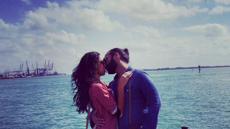 Erst seit wenigen Monaten sind Rebecca Mir und Massimo Sinato verheiratet. Nun postet die Moderatorin ein Foto vom neuen Familienzuwachs auf ihrem Instagram-Account. (Foto)