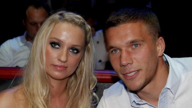 Lukas Podolski und seine Freundin Monika. (Foto)