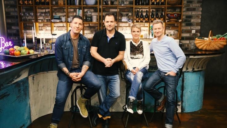 """Stefan Kretzschmar, Martin Rütter, Mirja Boes und Michael Kessler (von links) beim Jahresrückblick """"Martin Rütter - Mein Hundejahr"""". (Foto)"""