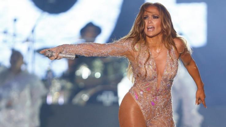 Jennifer Lopez ließ bei den AMAs 2020 tief blicken. (Foto)