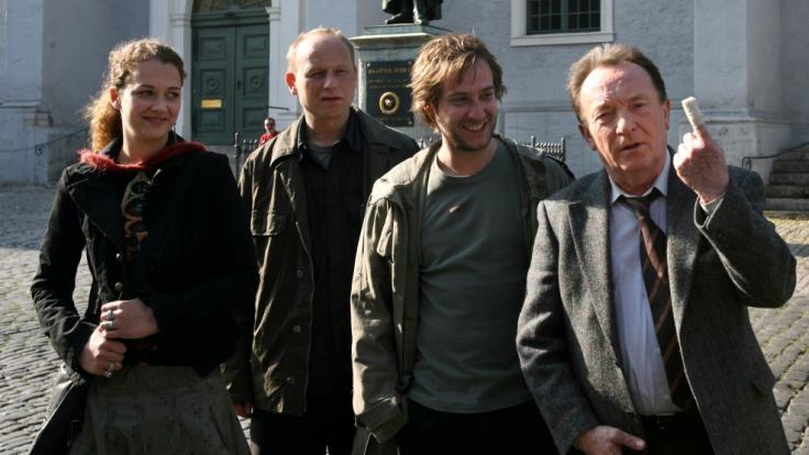 """An der Seite von Peter Sodann (r.) spielte Oona Devi Liebich (l.) 2005 im Weimarer """"Tatort"""" mit. (Foto)"""