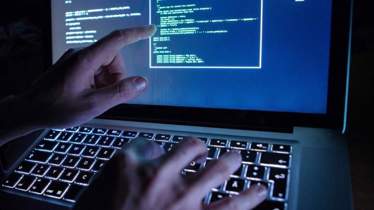 Alle Parteien außer AfD betroffen: Bei einem Hacker-Angriff wurden vertrauliche Daten von deutschen Politikern ins Netz gestellt. (Foto)